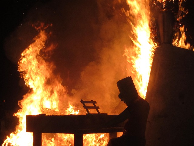 las fallas valencia tűz