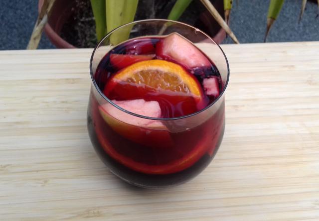 sangria gyümölcsökkel