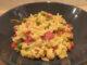 zöldséges paella tányéron